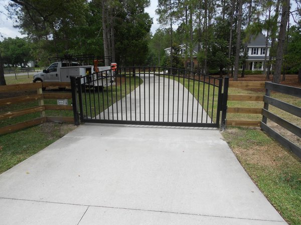 Professional Installed Estate Gates And Operating Systems